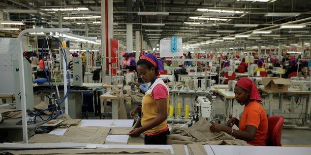 Usine textile en ethiopie fabrication industrie travailleuses travail emploi main d oeuvre
